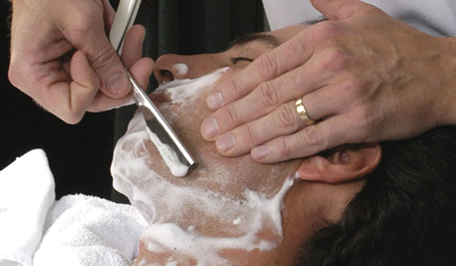 http://openers.jp/wp-content/uploads/2009/04/6360/01_01_isertan_event0502_shave1.jpg