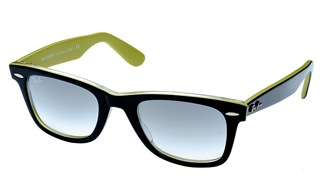 Ray-Ban「2009 Ray-Ban COLORS」 モデル・WAYFARER 2万5200円