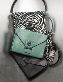 fdec913a61fb ©Frederic David ロンシャン|ソーホークラッチ. ケイトはこのクラッチバッグ ...