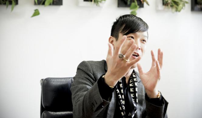 SUKEZANE Tomoki|トモキ倶楽部 JOHN LAWRENCE SULLIVANデザイナー 柳川荒士さん