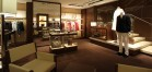 地下1階のフロアもメンズとウィメンズの両方が揃うので、カップルでもゆっくりとショッピングを楽しむことができる。
