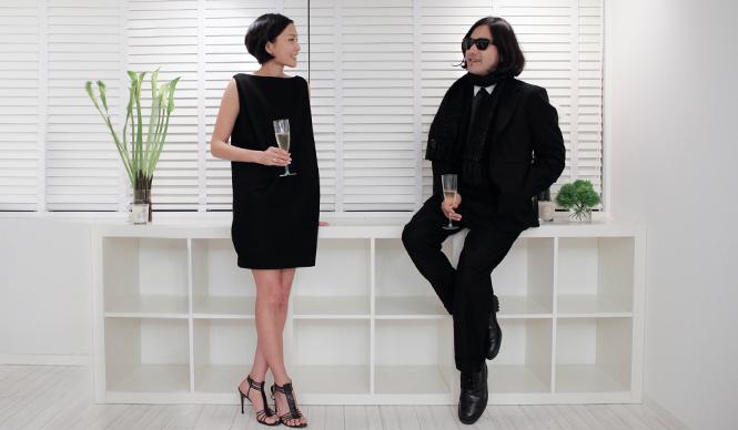 SUKEZANE Tomoki|トモキ倶楽部 デザイナーのYOKO CHANさんと、ファッションディレクター祐真朋樹さん。「YOKO CHAN」ショール―ムにて。