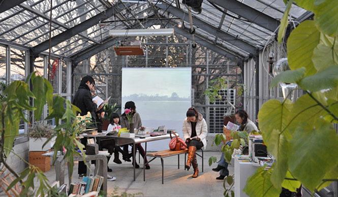 塚田有一│みどりの触知学 『真冬の読書室』の土曜日の光景