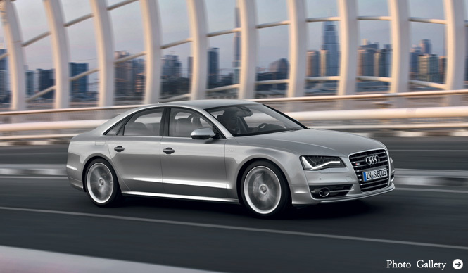 Audi S8 大型サルーンの常識を覆すモデルが登場!