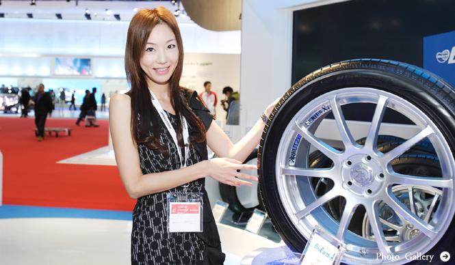 第42回東京モーターショー2011|渡辺敏史と清水久美子がいく 部品ブースウォッチング