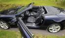 Mercedes-Benz SL350 BlueEFFICIENCY|メルセデス・ベンツSL350ブルーエフィシエンシー「AMGスポーツパッケージ」を装着すると、専用のインテリアデザインとなるほか、トリムやメーターパネルなどもAMGのものに変更される