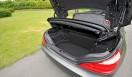 Mercedes-Benz SL550 BlueEFFICIENCY|メルセデス・ベンツSL550ブルーエフィシエンシーキーを持っていれば、トランク下でペダルを踏む動作のみで開閉できる
