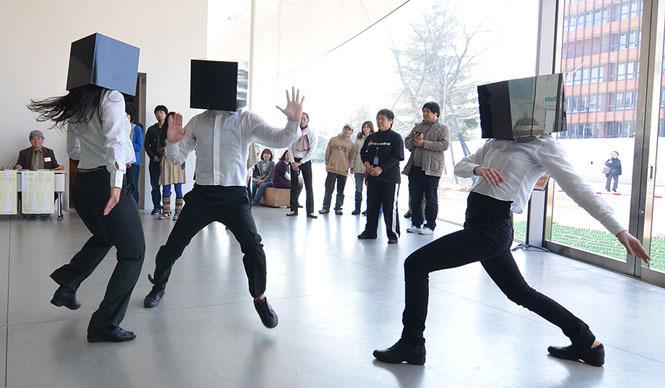 GRINDER-MAN|グラインダーマン 「SONAR」 2011年3月  金沢21世紀美術館 撮影:池田ひらく
