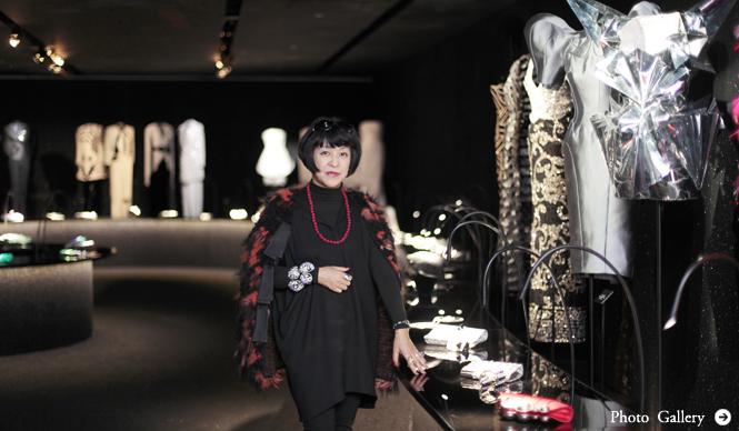 GIORGIO ARMANI 「エキセントリック展」をファッションジャーナリスト生駒芳子氏が解説!