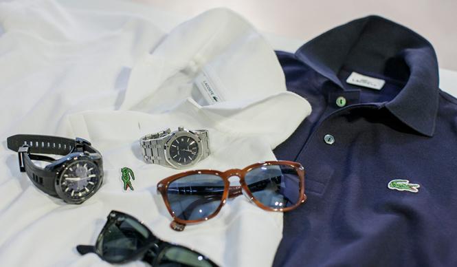 LACOSTE|ラコステ ネイビーやホワイトといった定番色のポロシャツには、サングラスやスポーツウォッチなどの小物を合わせる。リゾートっぽい雰囲気を醸し出すことができる