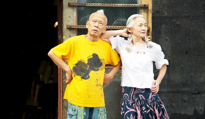 ブルックリンに住む前衛アーティスト、篠原有司男(左)と乃り子夫妻
