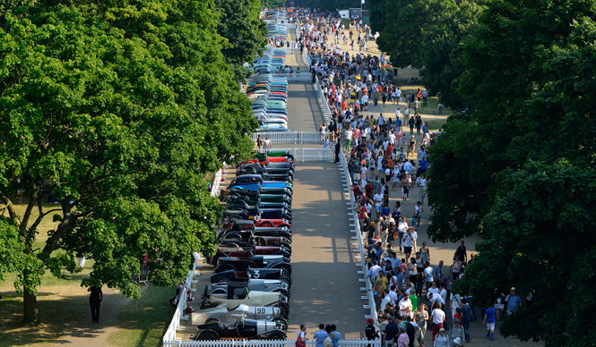 アストンマーティン創立100周年をロンドンで祝う|Aston Martin