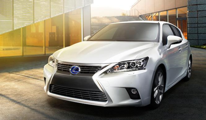 スピンドルグリルを得たCT200hを中国で公開|Lexus