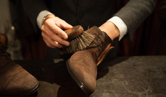 スウェード靴の素材や種類って?おすすめ商品から手入れ方法&保存方法まで解説!