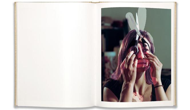 BOOK|「記録になる」作品集『Windows Mirrors Tabletops』