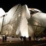 LOUIS VUITTON 現代アート美術館「フォンダシオン ルイ・ヴィトン」堂々オープン