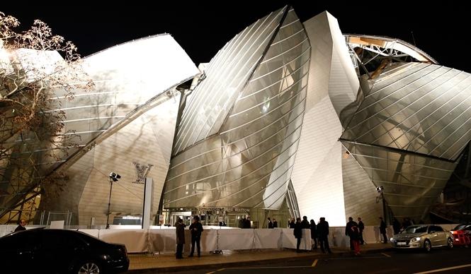 LOUIS VUITTON|現代アート美術館「フォンダシオン ルイ・ヴィトン」堂々オープン
