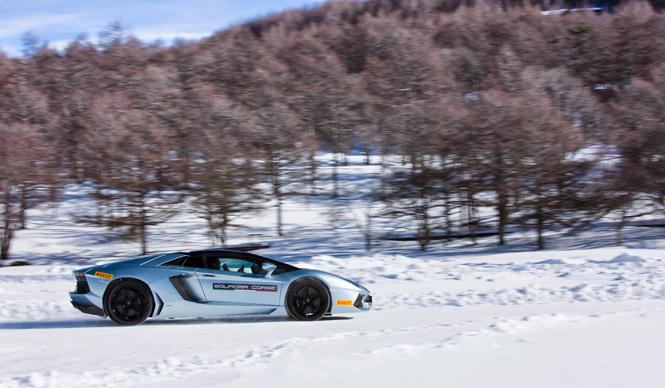 ランボルギーニによる雪氷上のドライビングトレーニング (前編) Lamborghini