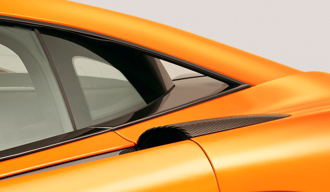 マクラーレン、新型スポーツモデルを570S クーペと発表|McLaren