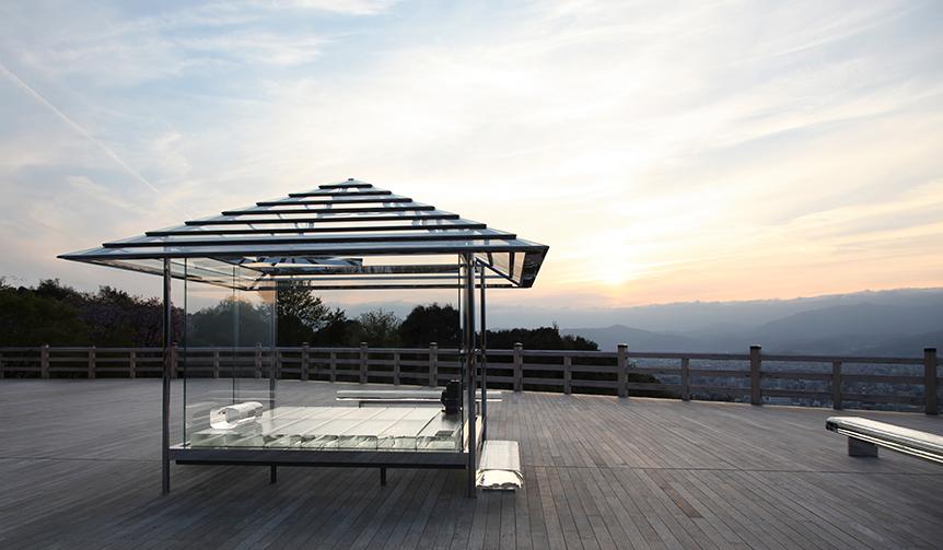 EXHIBITION|吉岡徳仁「ガラスの茶室 - 光庵」が京都・将軍塚青龍殿で世界初公開