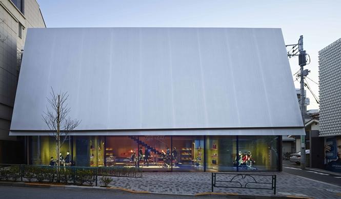 MIU MIU|ヘルツォーク&ド・ムーロン設計によるミュウミュウ 青山店完成