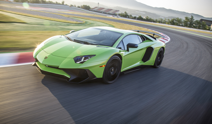 """SV""の称号をもったランボルギーニ アヴェンタドールをスペインで試す 前編|Lamborghini"