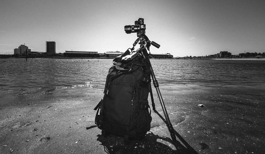 JACKET REQUIRED カメラストラップ「ディスピッチ」発売を記念した高木康行写真展