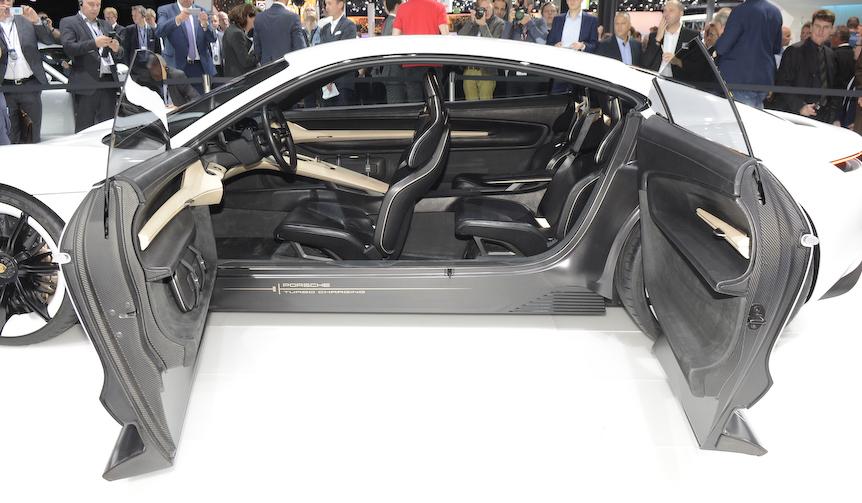 600ps ev porsche web magazine for Porsche mission e interieur