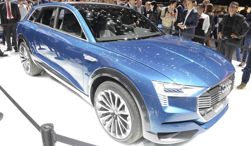 アウディが電気自動車のSUVコンセプトを公開|Audi