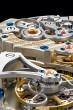 ダトグラフ・パーペチュアル・トゥールビヨン ケース|プラチナ 直径|41.5mm 厚さ|14.6mm ムーブメント|手巻き(Cal.L952.2) 機能|クロノグラフ(フライバック機能付き、12時間積算計、ステップ運針する30分積算計)、トゥールビヨン(ストップセコンド機能付き)、パーペチュアルカレンダー、アウトサイズデイト(2枚のディスクによる日付表示)、パワーリザーブ表示 ストラップ|アリゲーター 防水|3気圧 限定数|100本 発売時期|2016年10月予定 予価|29万5000ユーロ