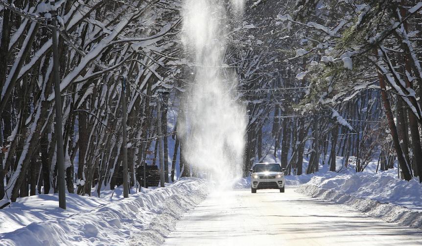 ジャガーとランドローバー各モデルに雪上で試乗|Jaguar & Land Rover