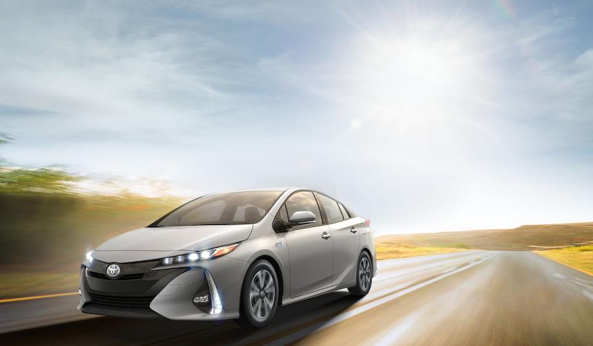 トヨタ、2代目「プリウス プラグインハイブリッド」を発表|Toyota