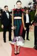 Miranda Kerr|ミランダ・カー  Dress|LOUIS VUITTON   2016-17年 秋冬 ウィメンズ コレクション © Louis Vuitton