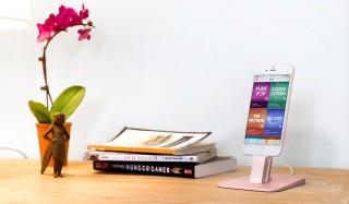 iPhone、スマートフォンを快適にデスクトップで使える充電スタンド|Twelve South