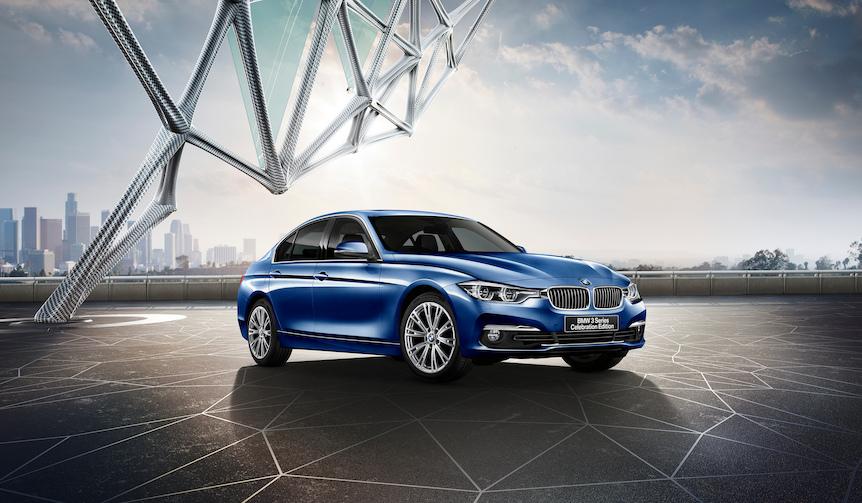 BMWのエンブレムを象徴するカラーを施した3シリーズPHEVの特別限定車|BMW