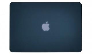 底面にはMacBook Airの放熱性能を確保したハードケース OUTLOUD