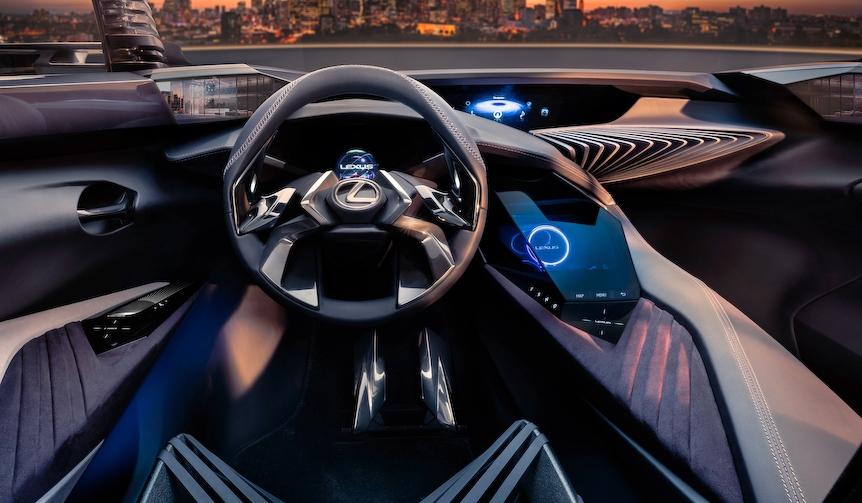 パリで世界初披露のコンパクトSUVの内装の一部を公開|Lexus