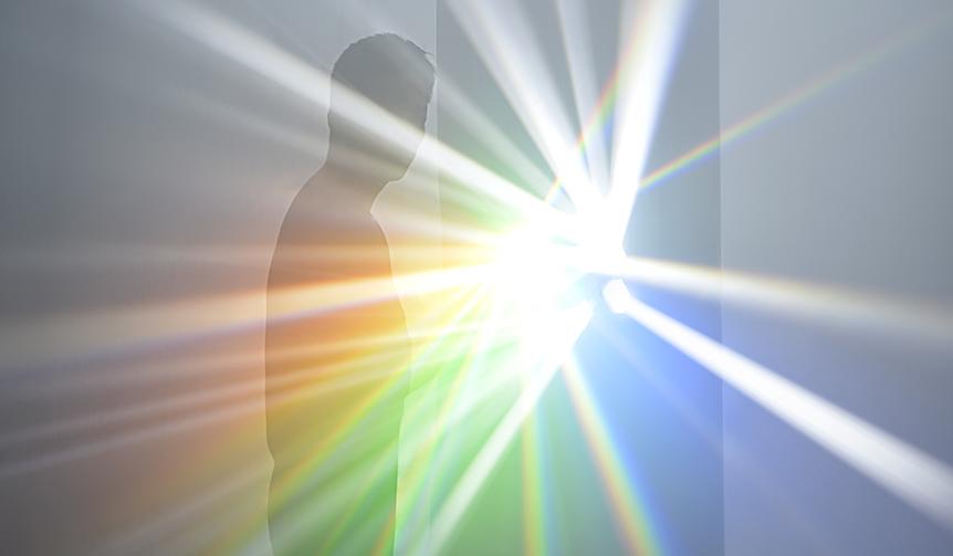 ART|神秘的な光を体感できる個展「吉岡徳仁 スペクトル」が開催