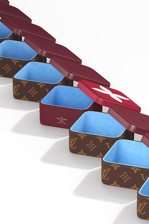 ボワット・クラランスMM 6万6000円(中央)、ボワット・カミーユMM 6万円(すべて税別)