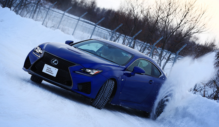 LEXUS|北海道の特設雪上コースに挑むドライビングレッスン
