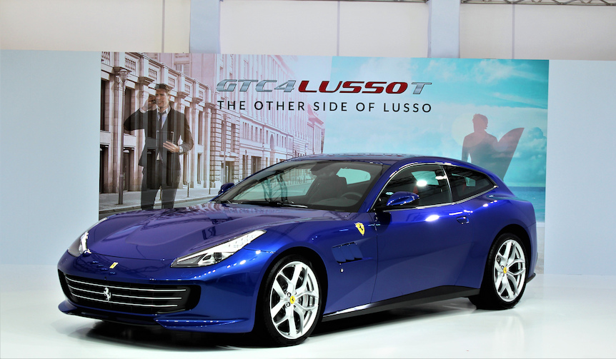 V8ターボにFR採用の「GTC4ルッソT」日本上陸|Ferrari