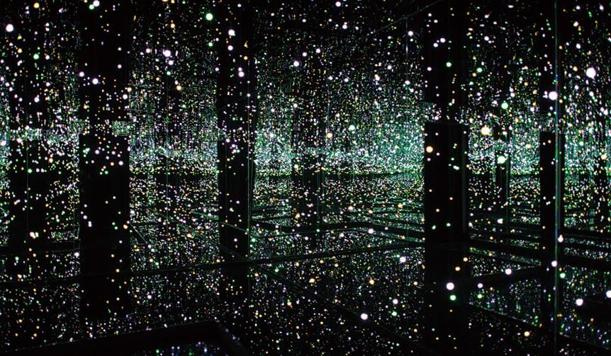 《生命の輝きに満ちて》 Courtesy of Ota Fine Arts, Tokyo / Singapore; Victoria Miro Gallery, London; David Zwirner, New York©YAYOI KUSAMA