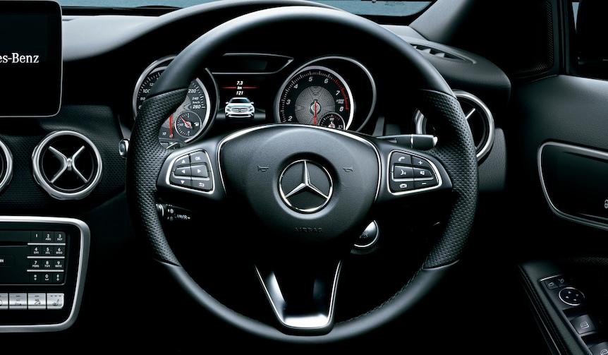 Mercedes-Benz GLA メルセデス・ベンツ GLA