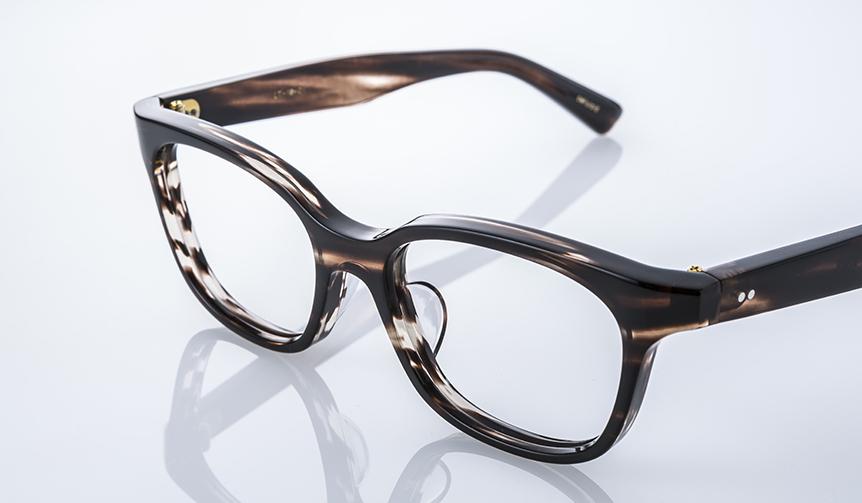 DJUAL|2017年SSコレクションのテーマは「アノニマスデザイン」。掛け心地抜群の眼鏡