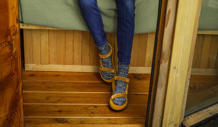 Teva|人気モデルに秋らしいカラーを纏った新作「Flatform Universal elvet」