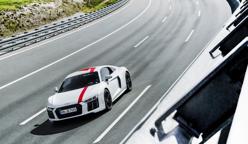 アウディR8に後輪駆動のRWDを追加|Audi