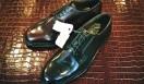 写真奥のブラウン社オリジナルモデルを日本人の足型に合わせるべく、日本で開発されたのが手前の「2504」のファーストモデル。双方ともリーガルコーポレーション本社に保管されている。