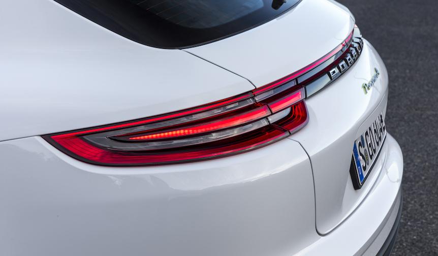 Porsche Panamera 4 E-Hybrid Sport Turismo|ポルシェ パナメーラ 4 E-ハイブリッド スポーツ ツーリスモ