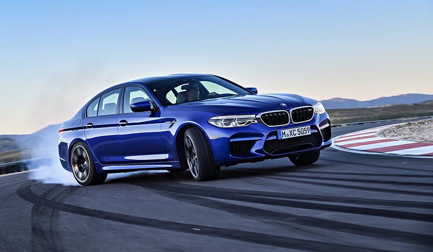 6代目にフルモデルチェンジしたM5の受注を開始|BMW