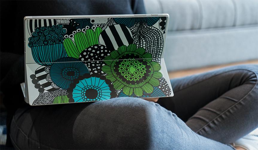Microsoft|脱ガジェット宣言! マリメッコで、アルカンターラで、自分だけのスタイルを楽しむ